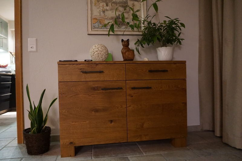 Eichen Möbel gebeizt, lackiert